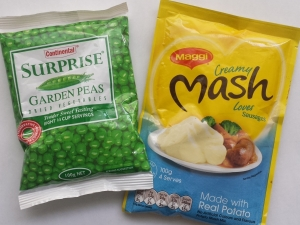 mashed-potatoes-and-peas-close-up